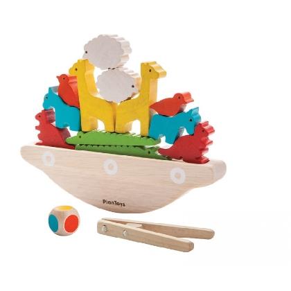 balancing-boat